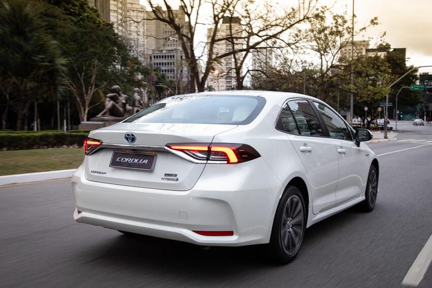 Toyota Corolla Híbrido 5