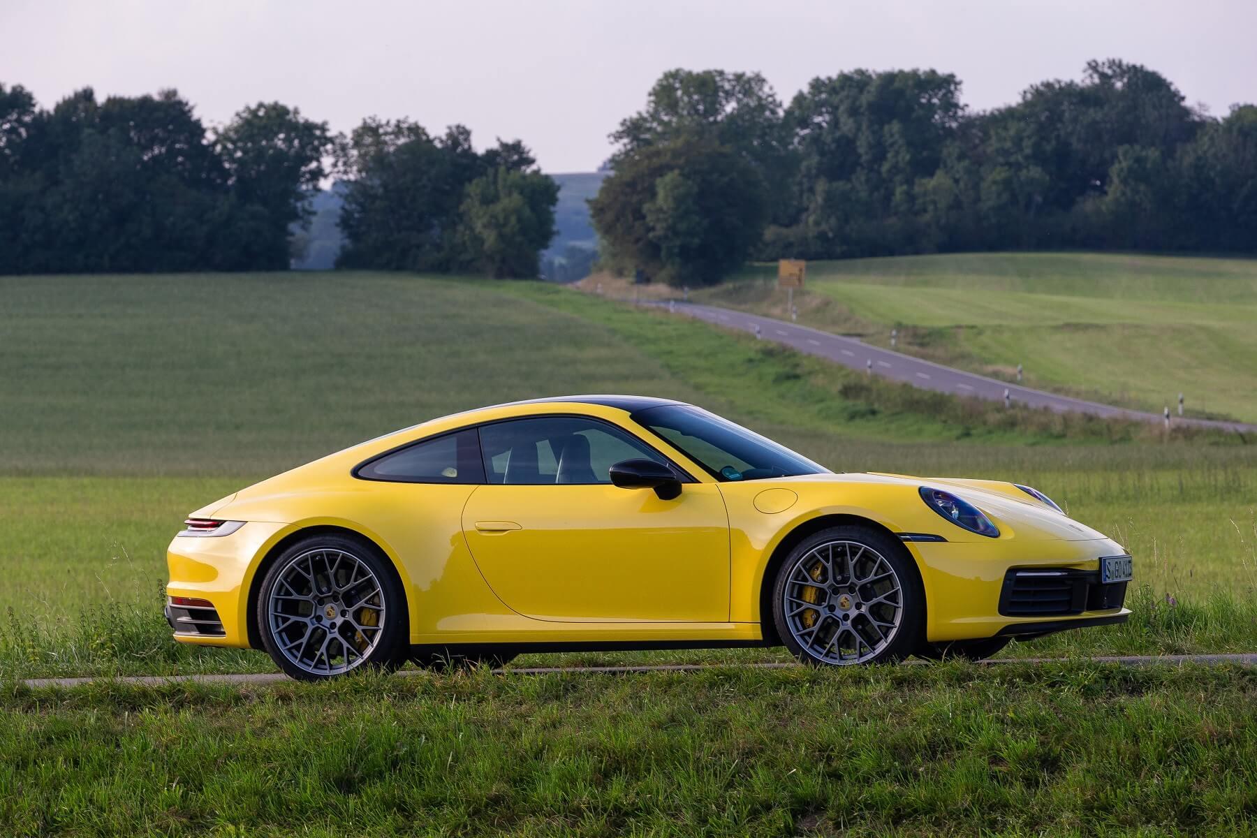Porsche 911 Carrera 10