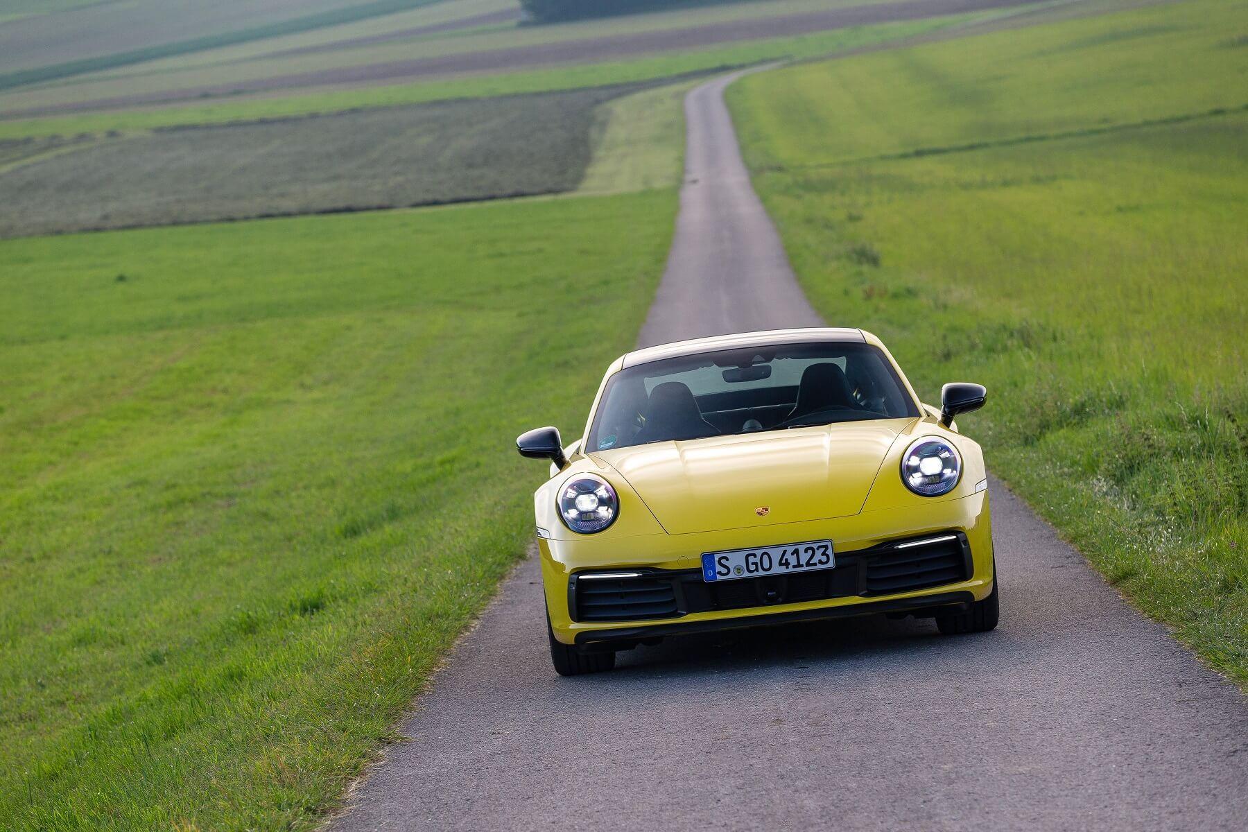 Porsche 911 Carrera 8
