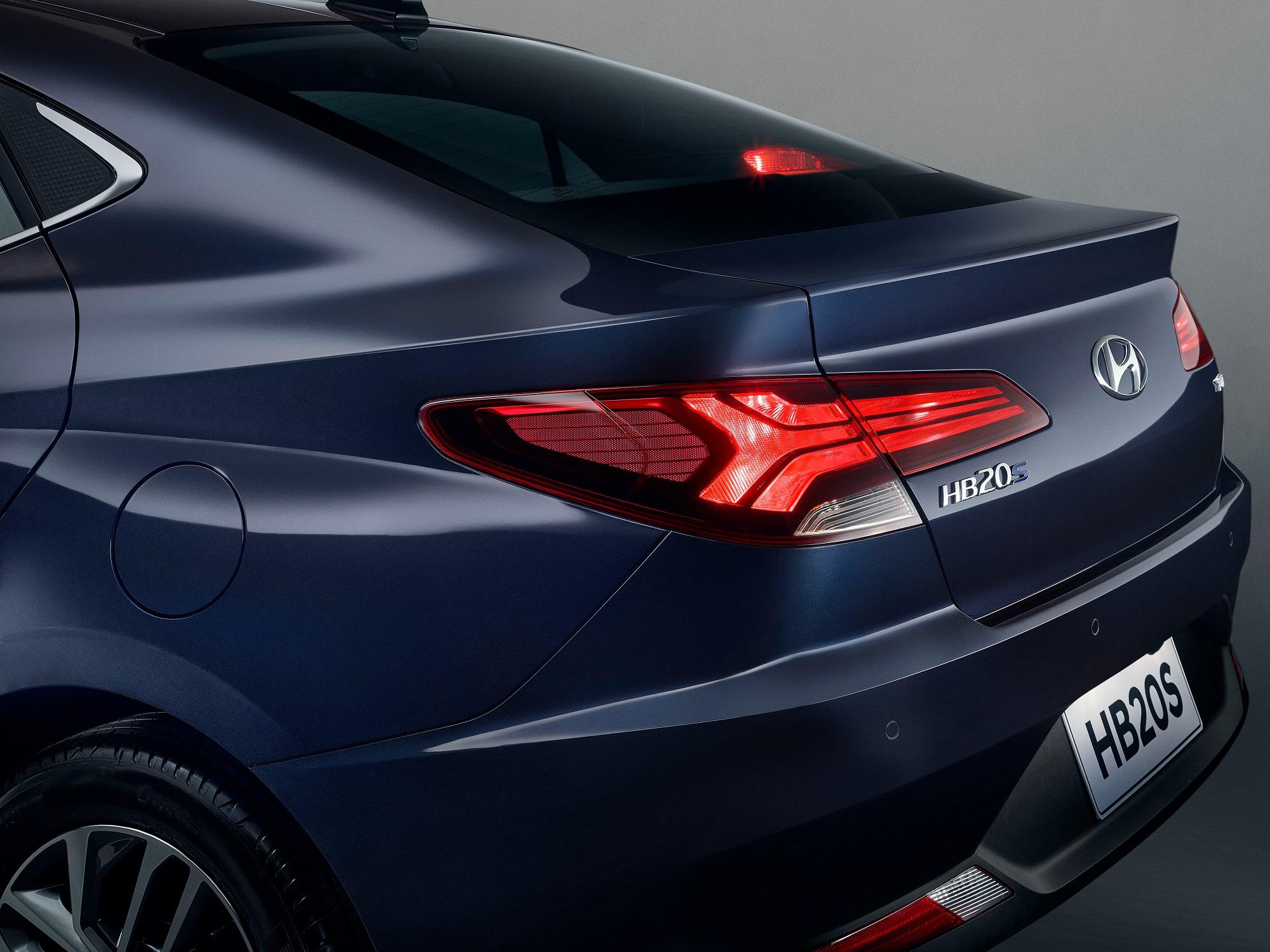 Novo HB20 tem imagem da traseira divulgada pela Hyundai