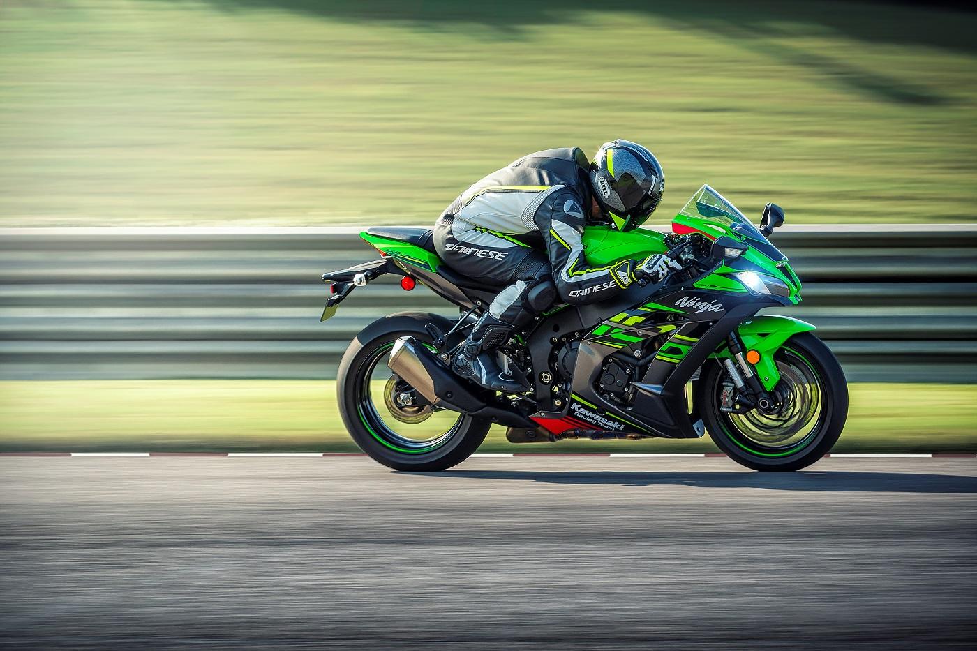 Kawasaki Ninja Zx 10r St Movimento 01