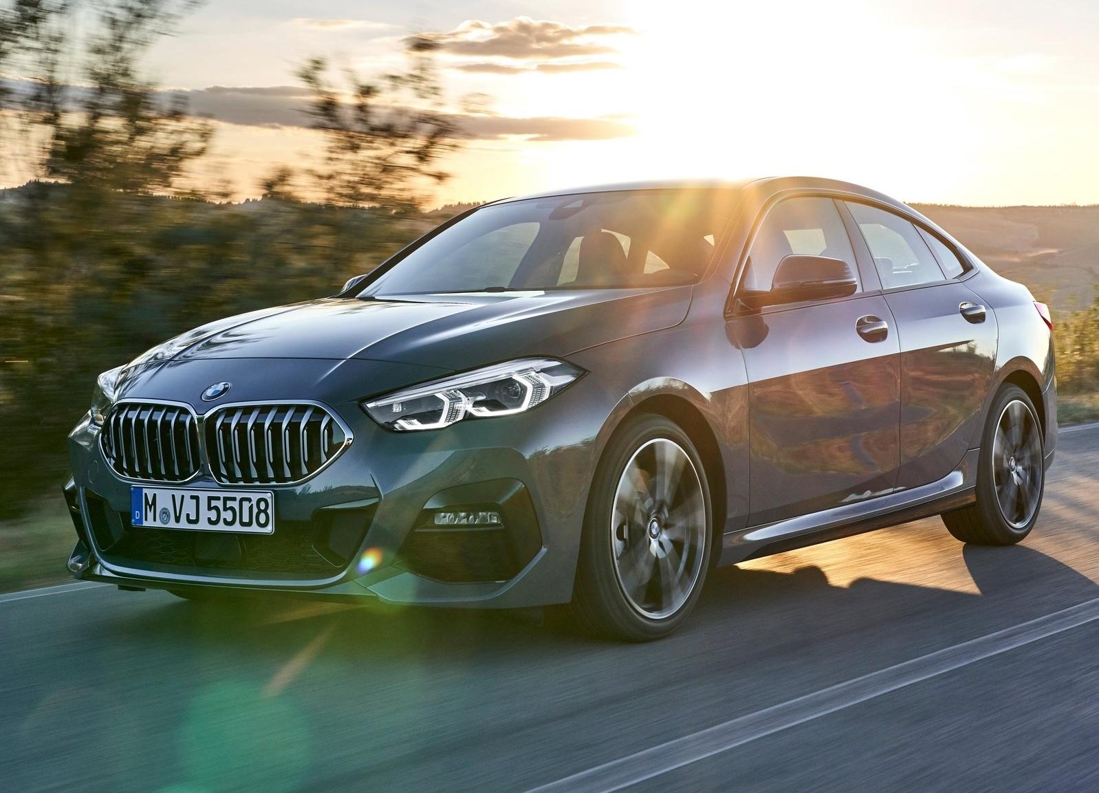 BMW Série 2 Gran Coupé 2020 cinza visto de frente