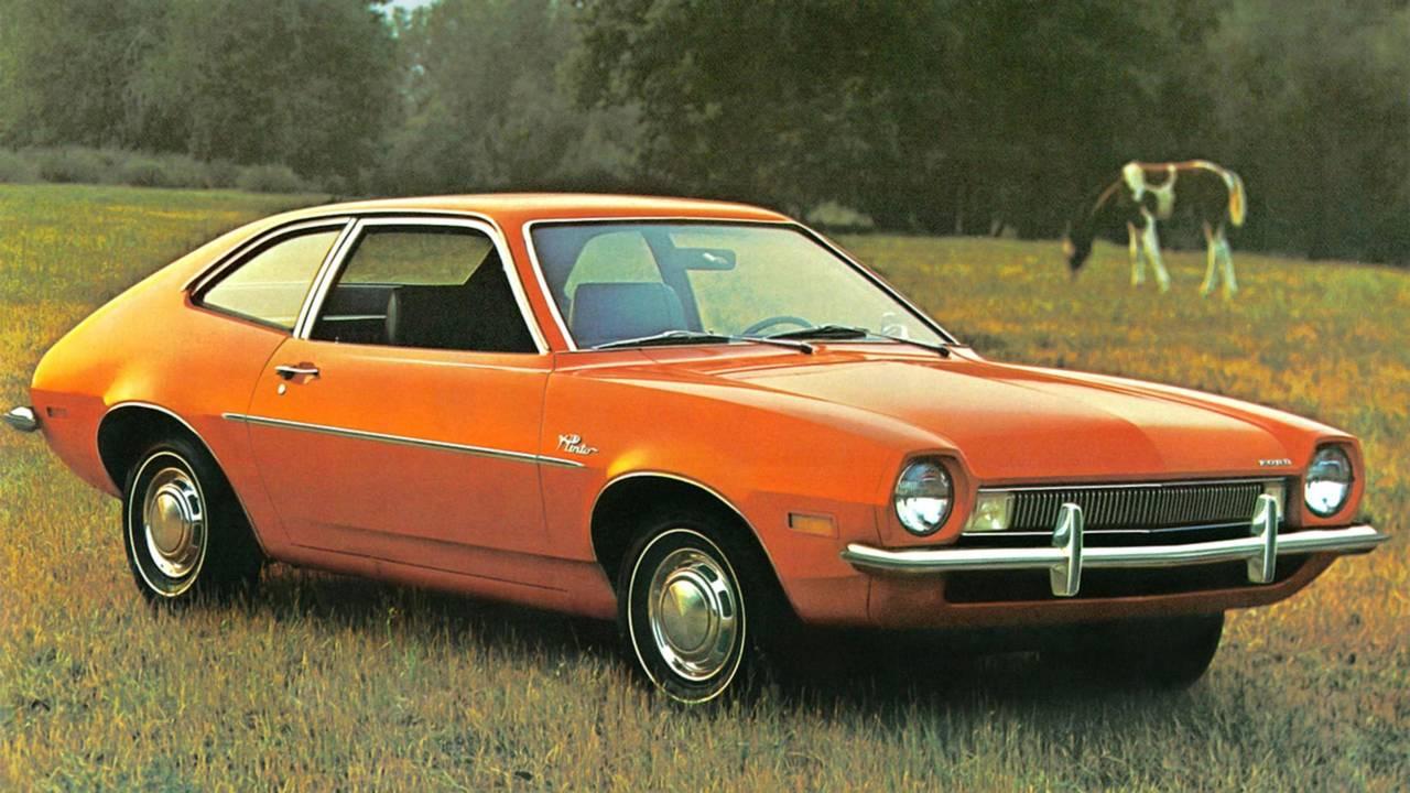 Ford Pinto laranja era um típico fastback dos anos 1970