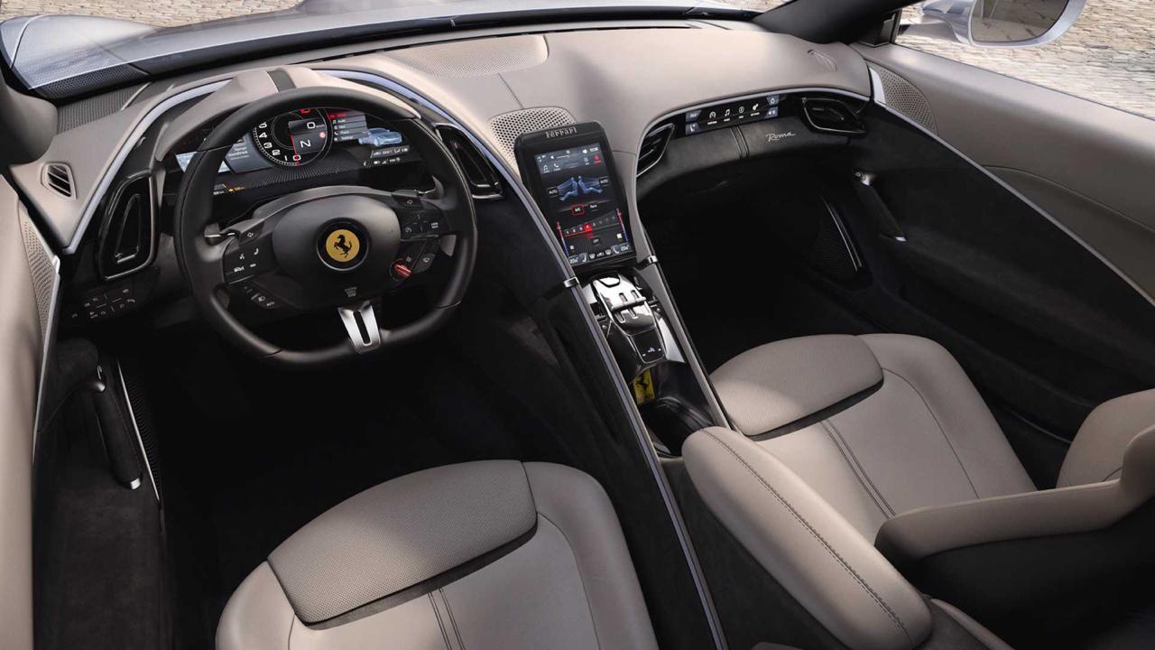 Ferrari Roma e seu painel minimalista