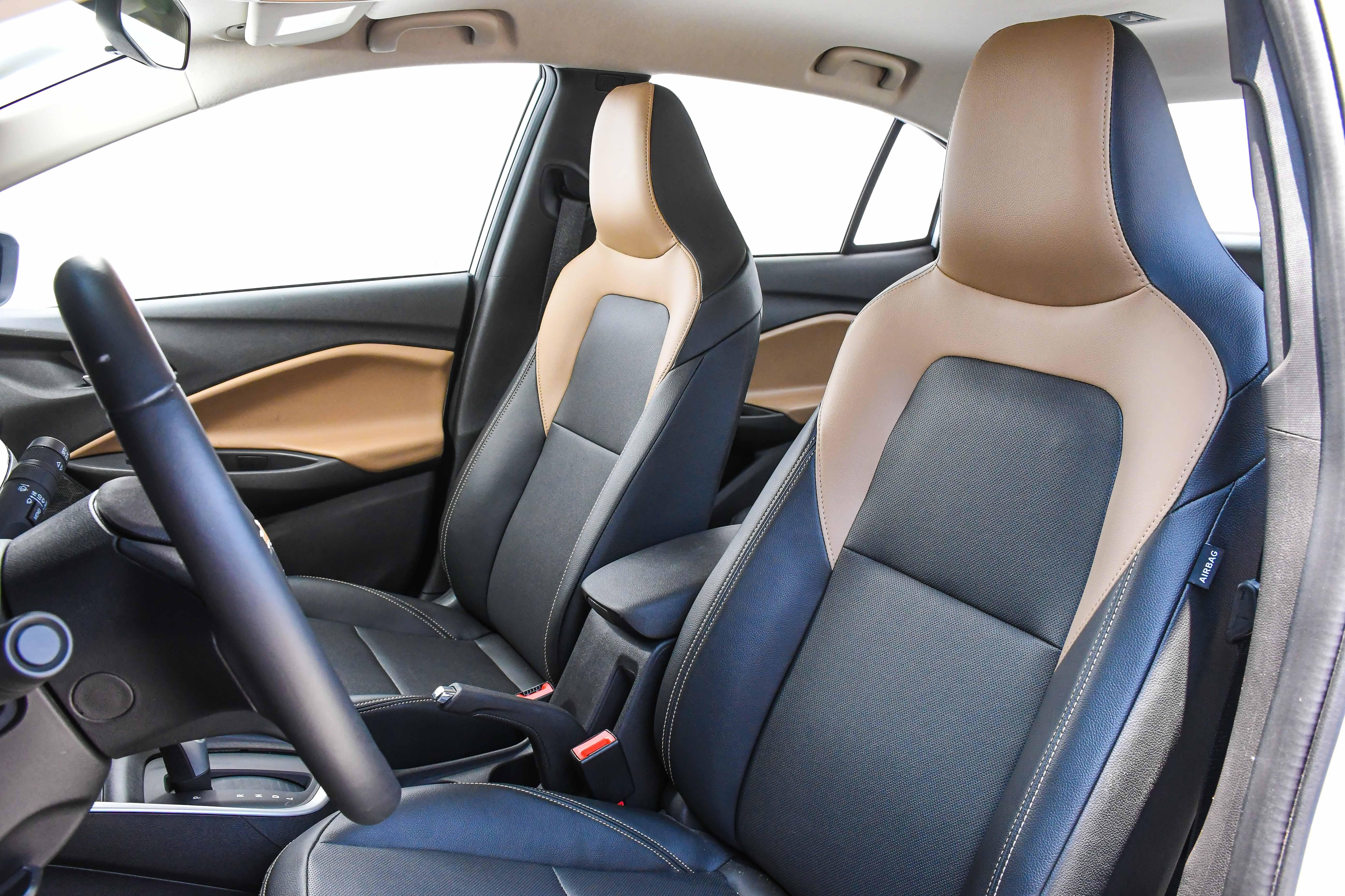 Chevrolet Onix Plus Premier 2020 como limpar banco do carro