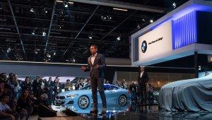 Foto mostra coletiva de imprensa da BMW em seu estande no Salão de São Paulo 2018