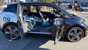 Bmw I3 Limousine não tem banco da frenyte e no lugar há um descansa-pé para quem sentar na poltrona traseira