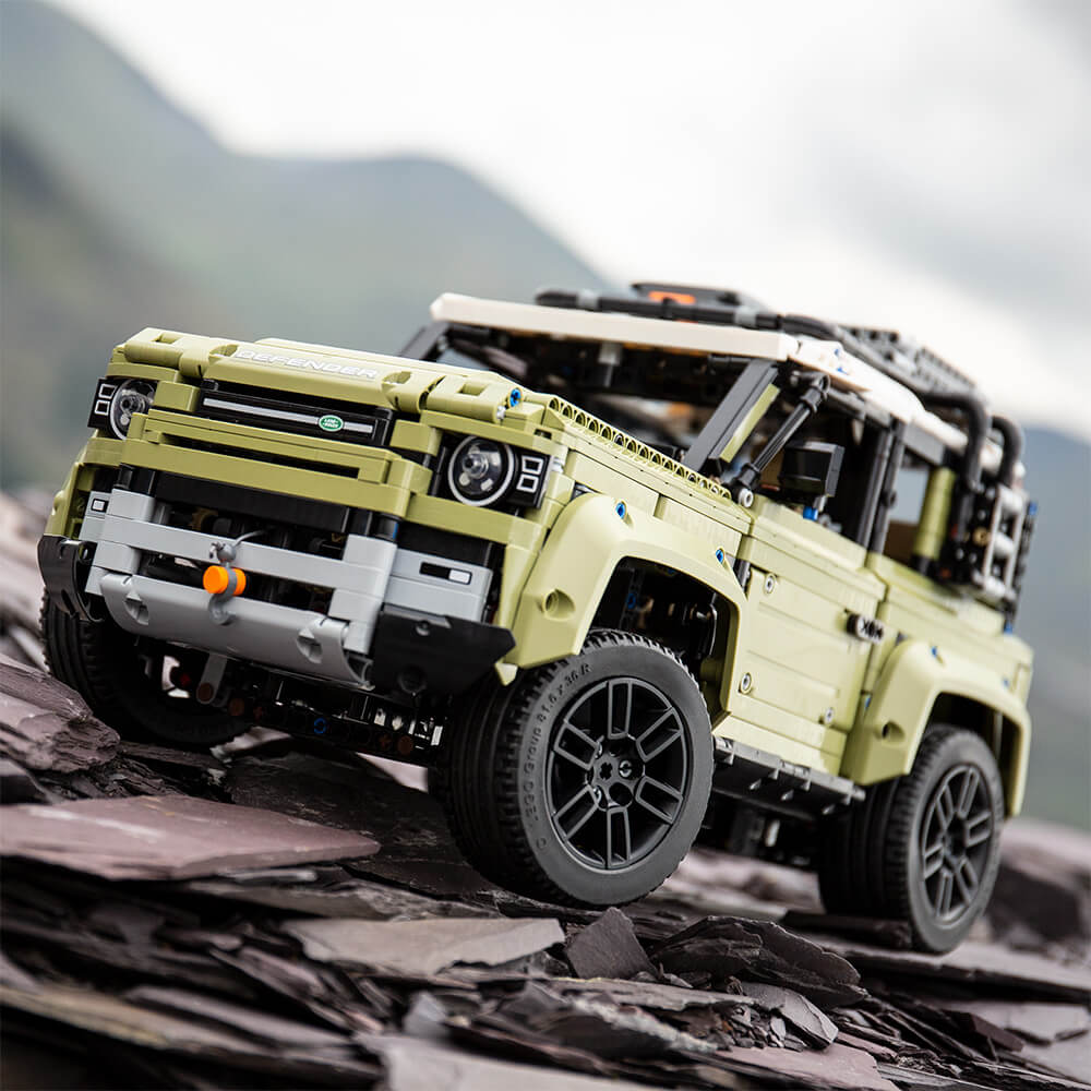 Lego Technic Defender 21