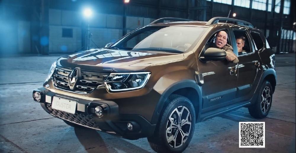 O lutador Wanderlei Silva ao volante do novo Renault Duster em foto da campanha publicitária