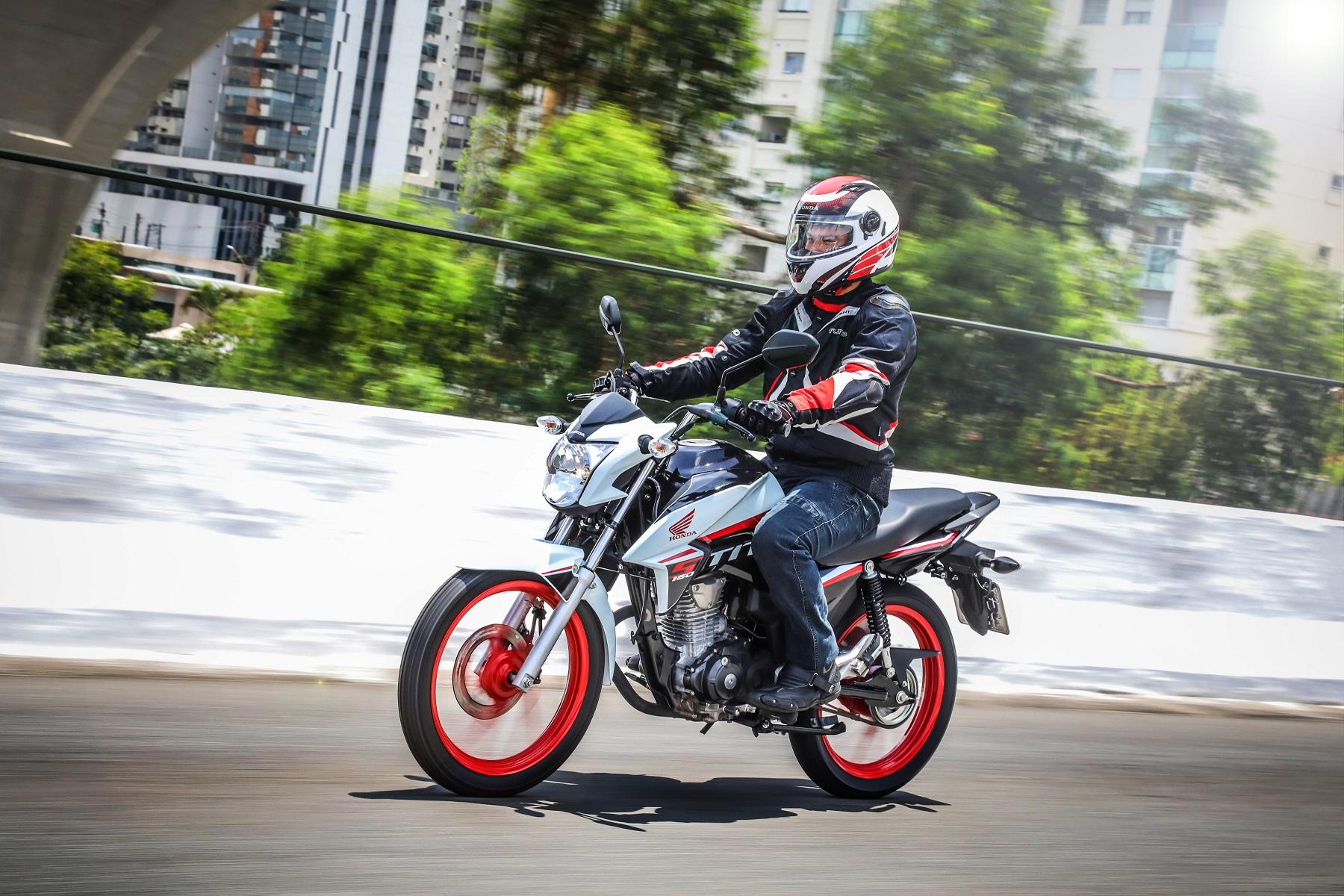Motos, como a Honda CG 160 Titan, também se valem dos benefícios do Óleo Pro Honda