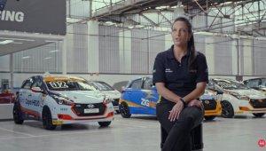 Frame do vídeo com Camila Maluf, gerente da Copa Hyundai Hb20