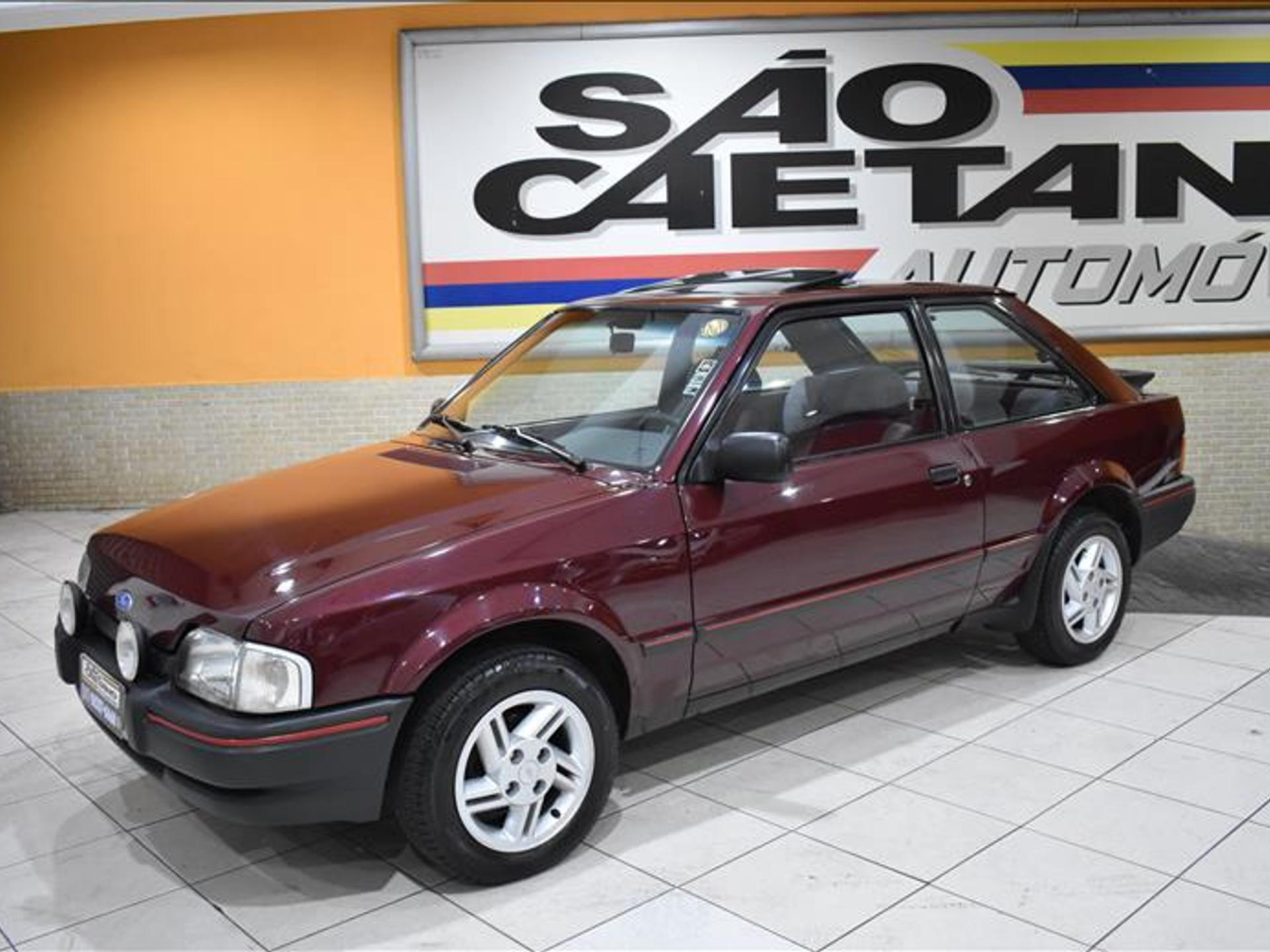 Ford Escort 1.6 na sua versão XR3: modelo fez sucesso no Brasil e é um dos 10 carros mais vendidos da história