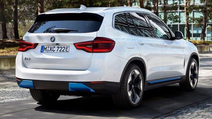 Elétrico BMW iX3: SUV tem detalhes em azul para indicar ser da família eletrificada da marca alemã
