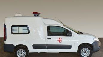 Fiat Fiorino caracterizado de Ambulância de perfil