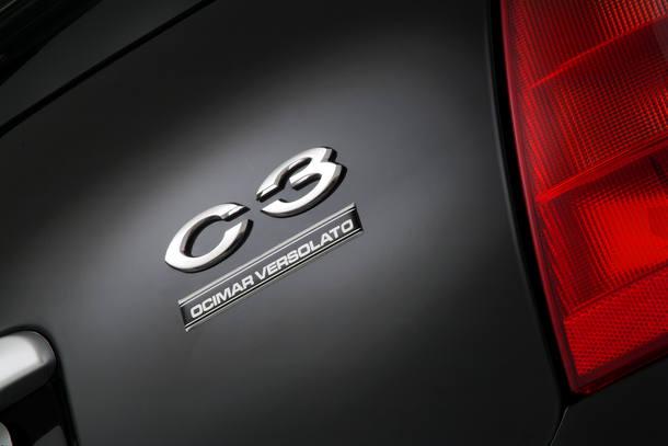 Detalhe do C3 Ocimar Versolato com assinatura