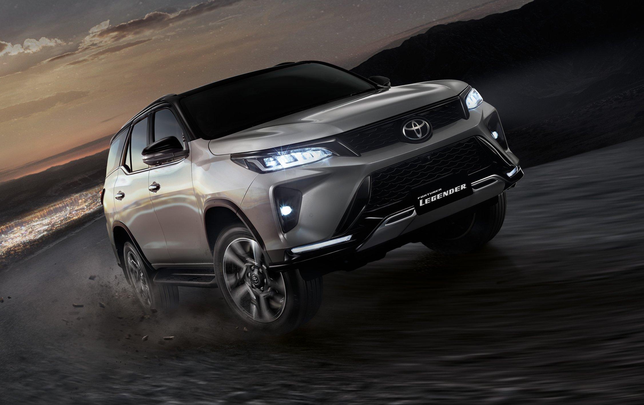 Toyota Fortuner Legender 4