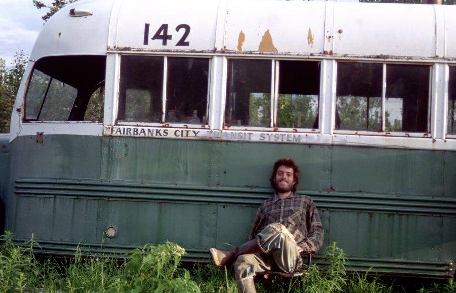 ônibus Na Natureza Selvagem