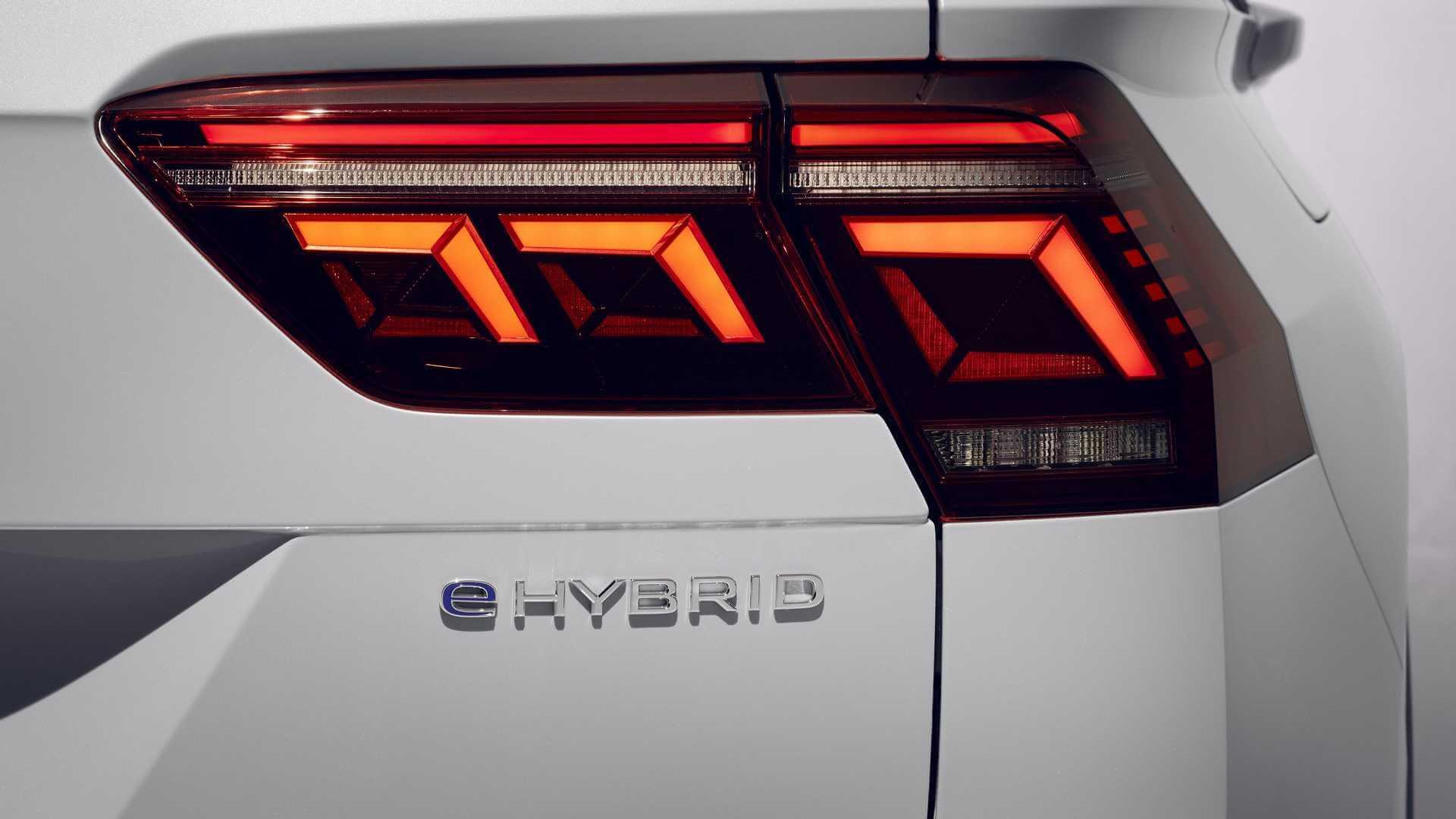 Volkswagen Tiguan eHybrid tem motor 1.4 turbo conectado a propulsor elétrico: juntos, rendem 245 cv