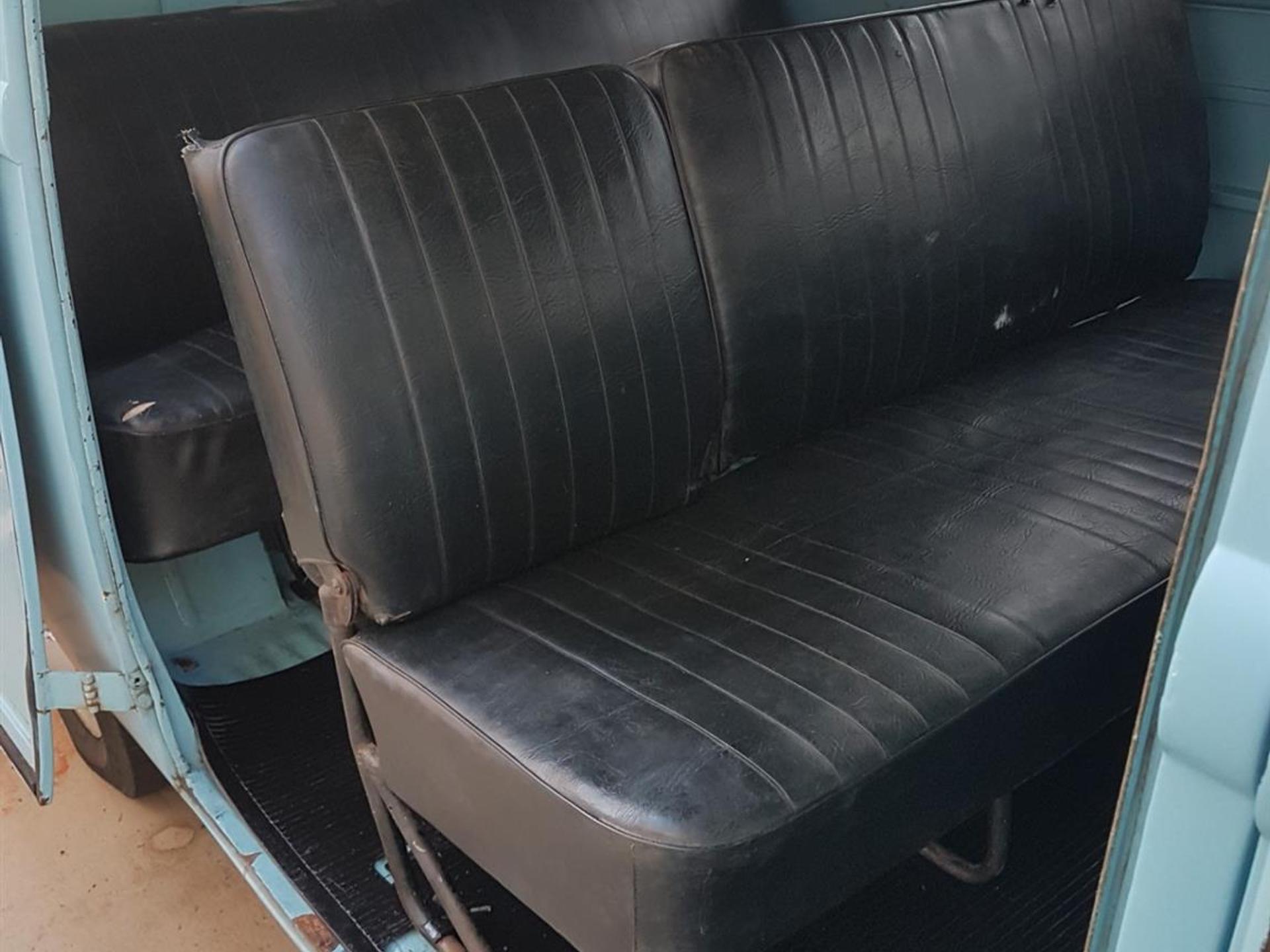 Volkswagen Kombi 1.5 Luxo 8v Gasolina 3p Manual Wmimagem18295705718