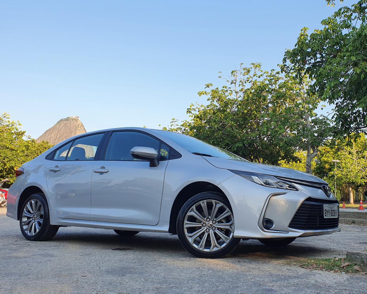 Comparativo Toyota Corolla Flex E Híbrido 10