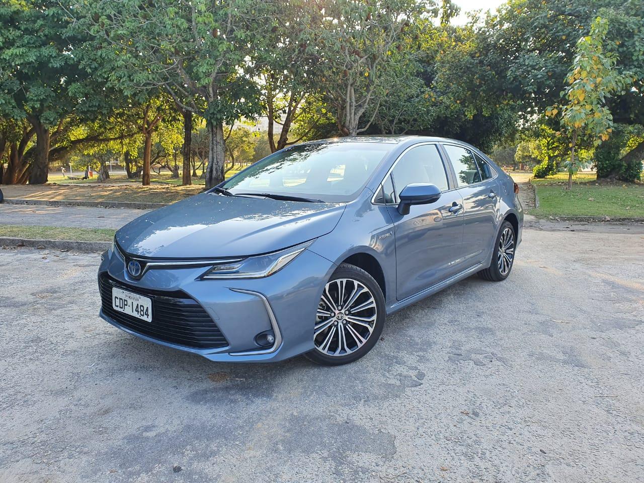 Comparativo Toyota Corolla Flex E Híbrido 12