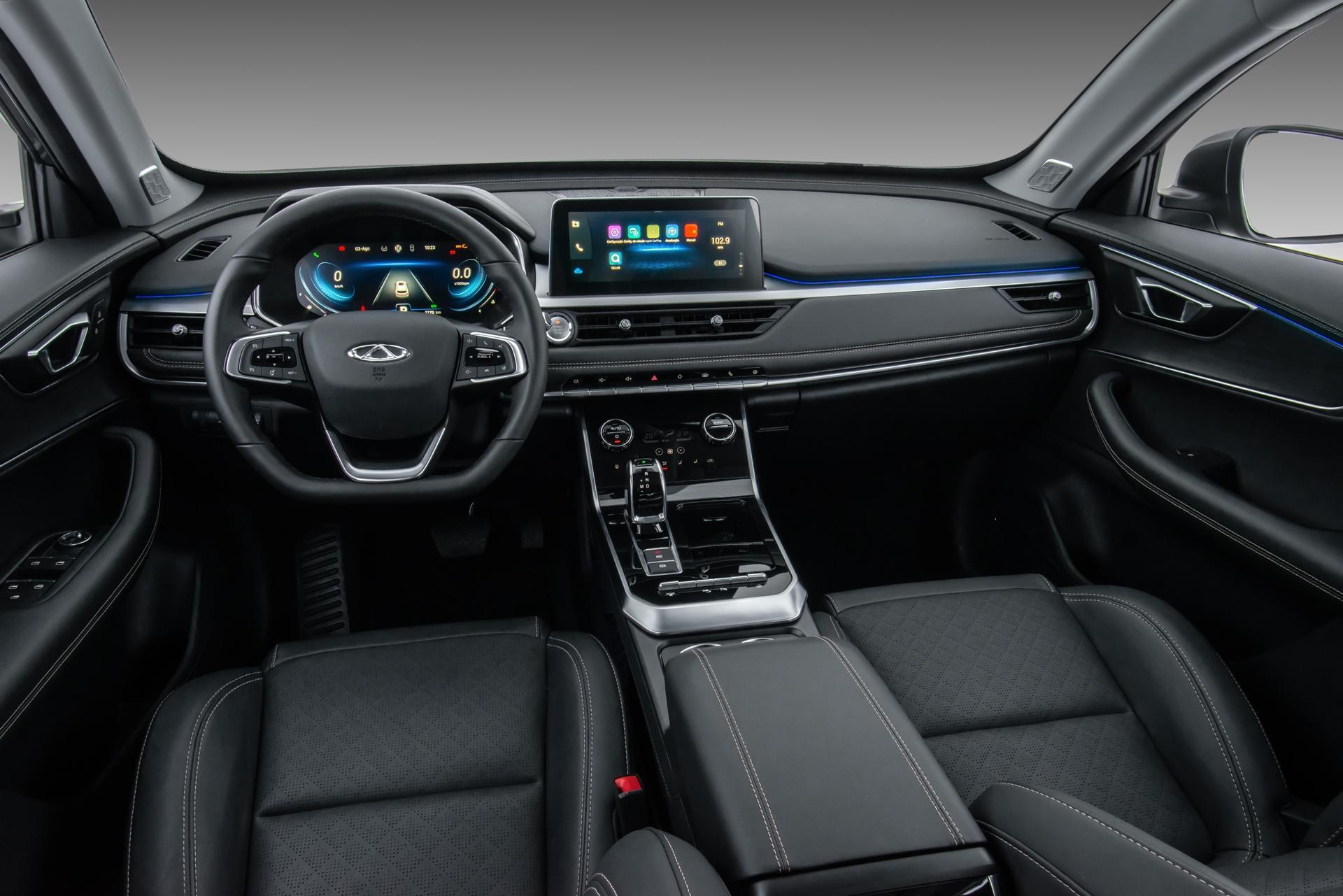 Caoa Chery Tiggo 8 tem uma infinidade de equipamentos de última geração na cabine