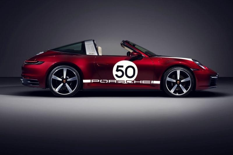 Ibra comprou o superesportivo Porsche 911 Targa 4S Heritage Design
