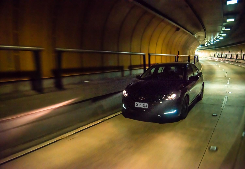 Chevrolet Onix Plus Midnight Dinâmicas (22)