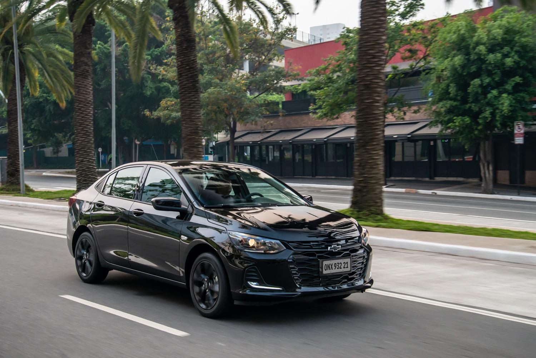 Chevrolet Onix Plus Midnight Dinâmicas (43)