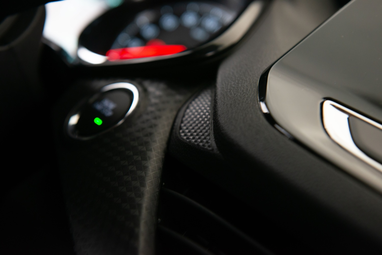 Chevrolet Onix Plus Midnight Internas (51)