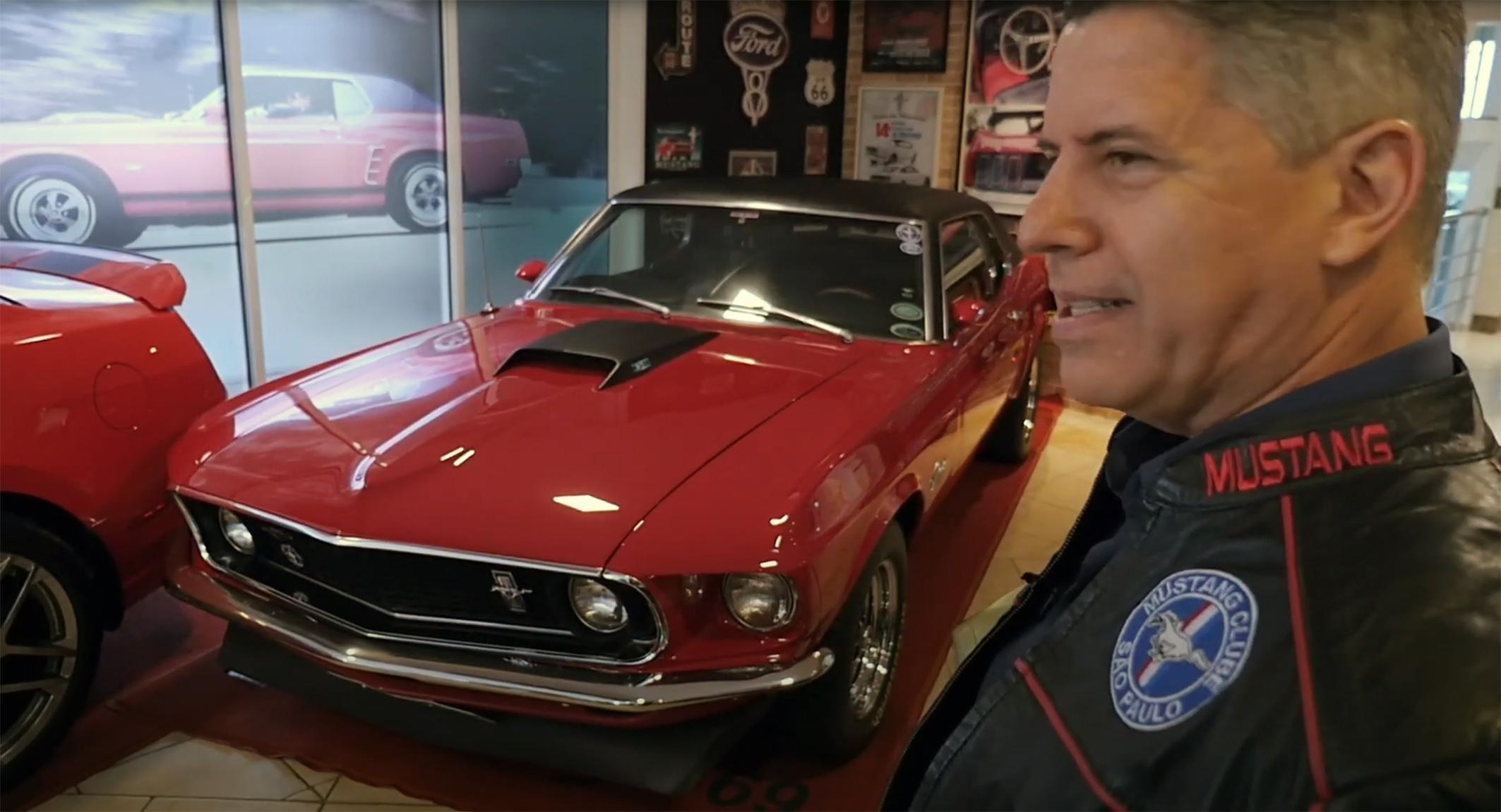 Hall Dos Mustangs Empresário