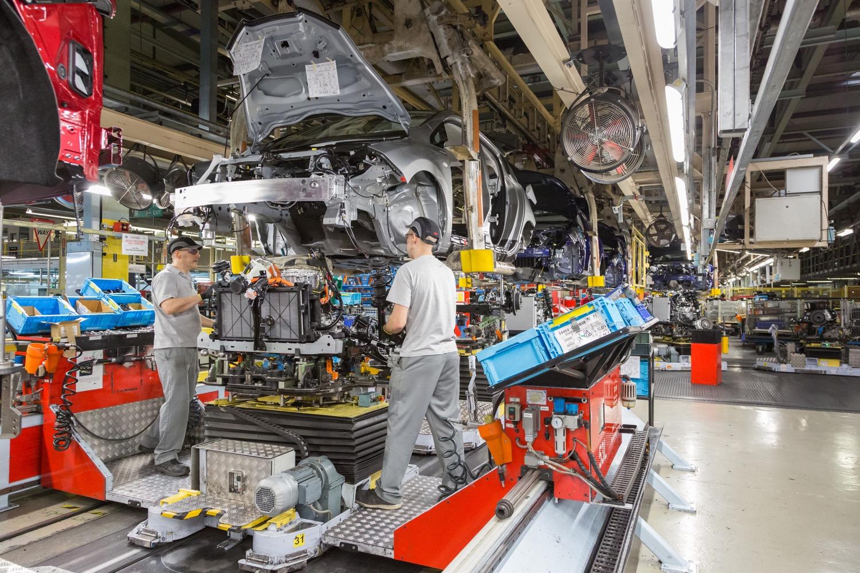 Nissan Leaf factory Reino Unido gasolina
