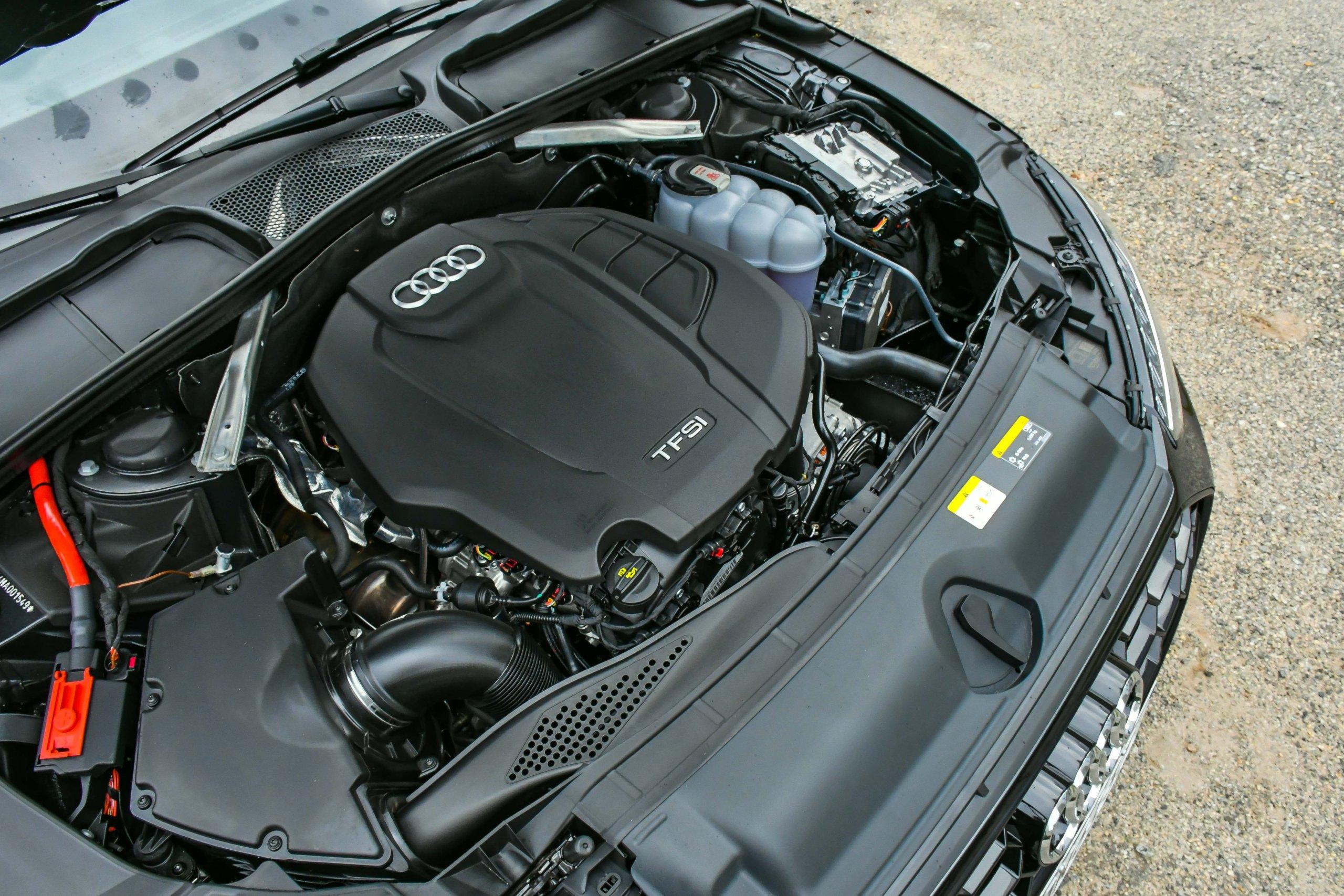 Audi A4 Performance Black 2021 Motor Longe