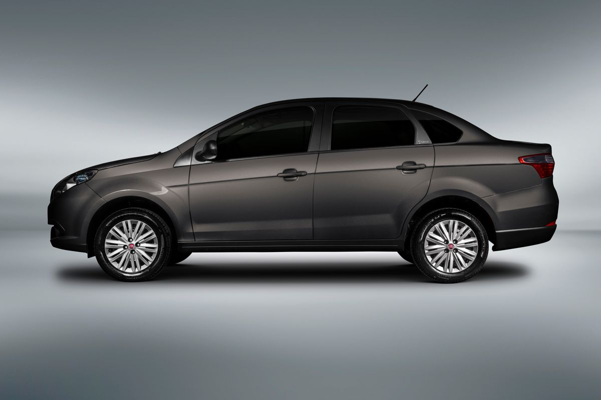 Fiat Grand Siena Attractive 14 Medium (1)