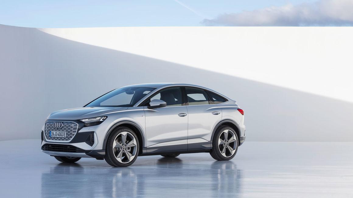 Audi Q4 e-tron Sportback é versão acupezada e com desenho mais esportivo do SUV compacto