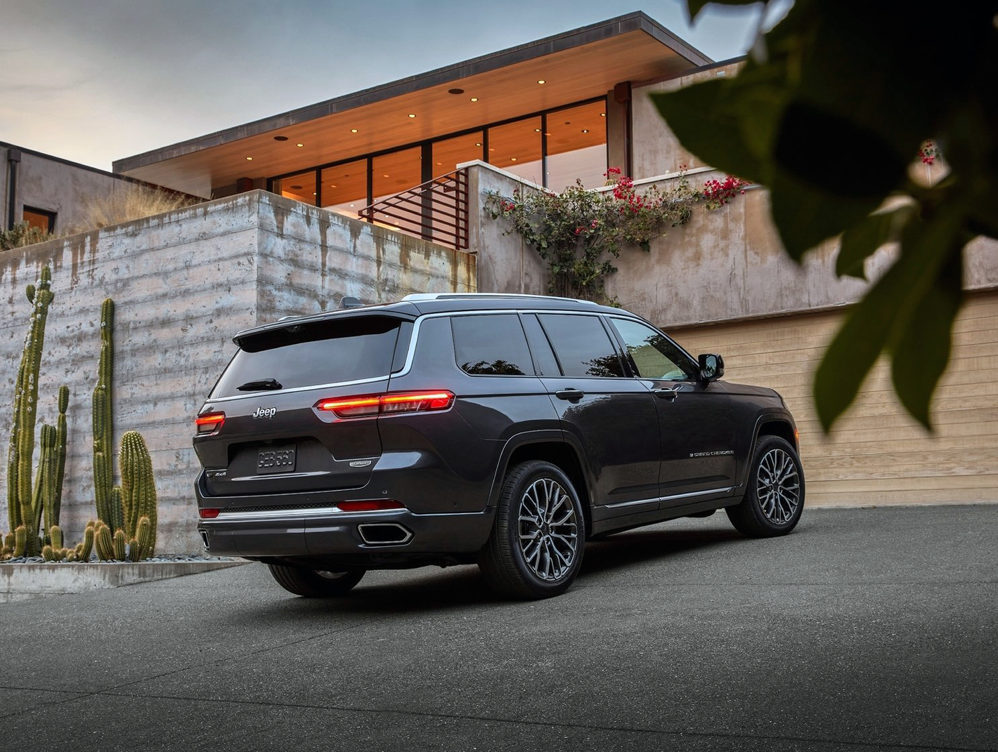 Jeep Grand Cherokee L Traseira