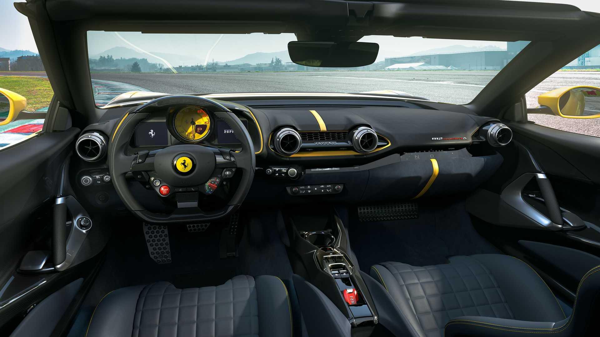 Ferrari 812 Competizione A (3)
