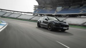 More Powerful Porsche Cayenne Turbo Coupe Version Teaser