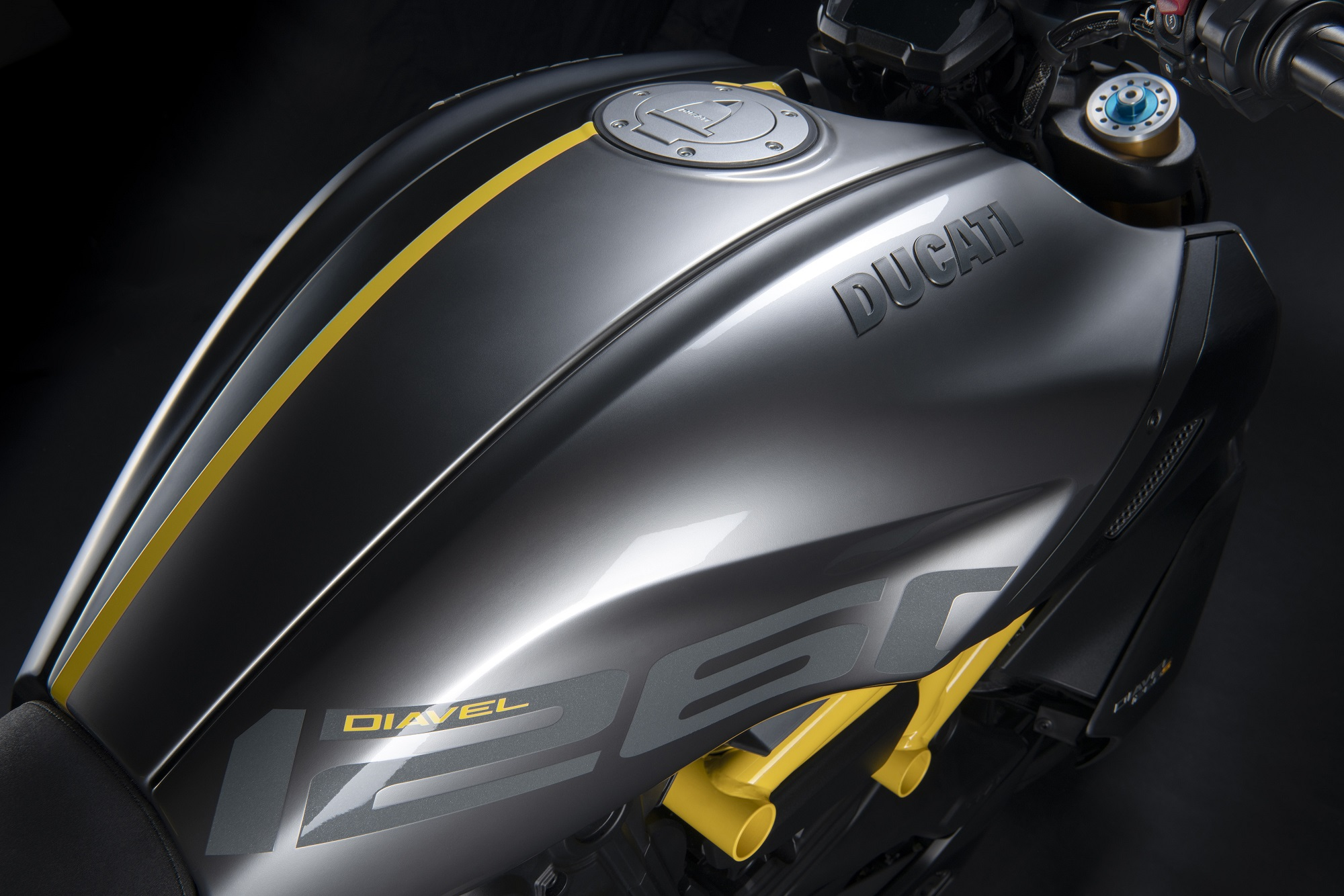 Ducati Diavel Black And Steel 5