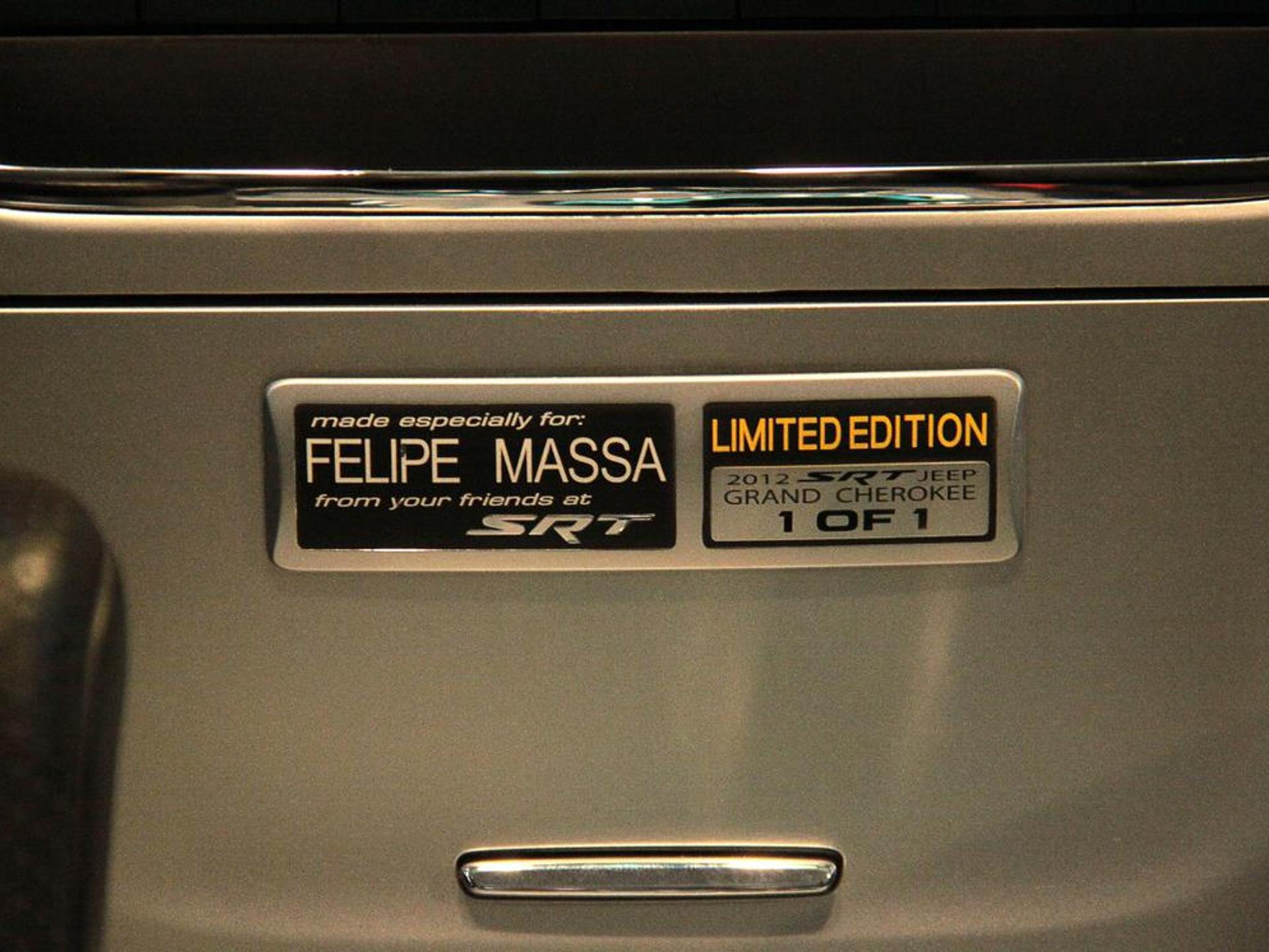 Jeep Grand Cherokee 6.4 Srt V8 32v Gasolina 4p Automatico Wmimagem15361221622