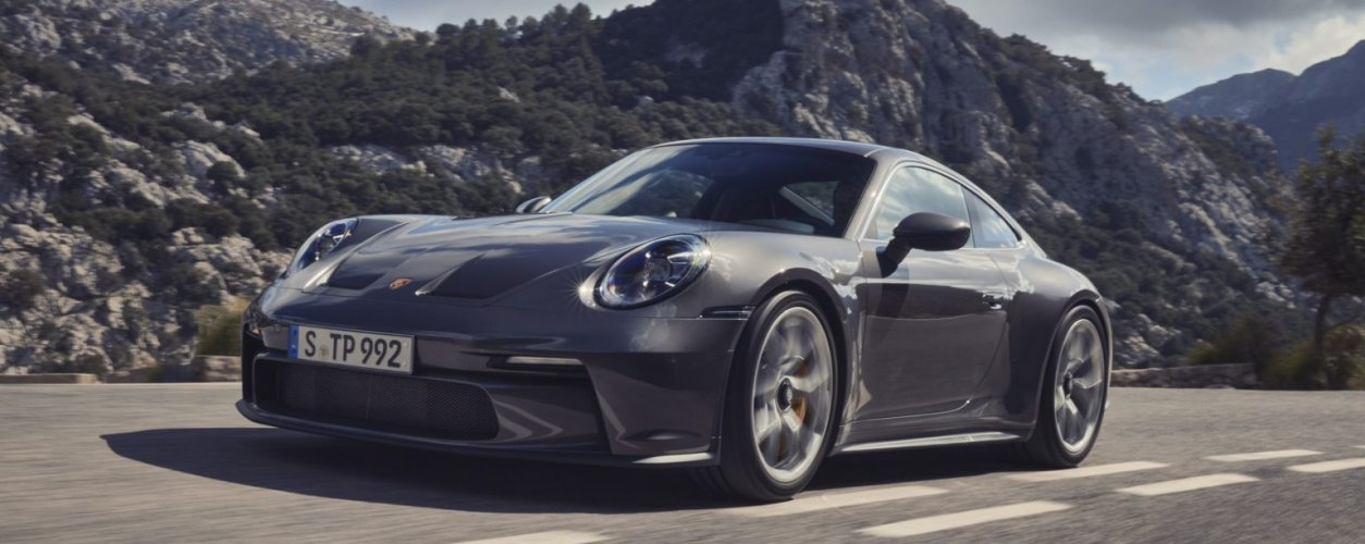 Porsche 911 Gt3 Touring 01 1536x864