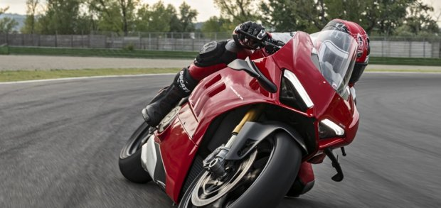 Panigale V4 My20 Red Elettronica 01 Editorial Img 1330x768