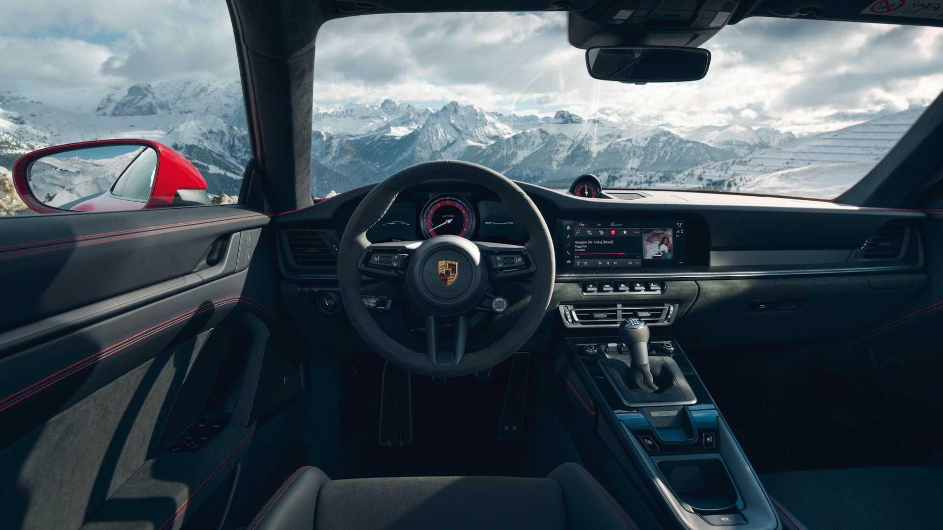 2022 Porsche 911 Carrera Gts Interior (1)