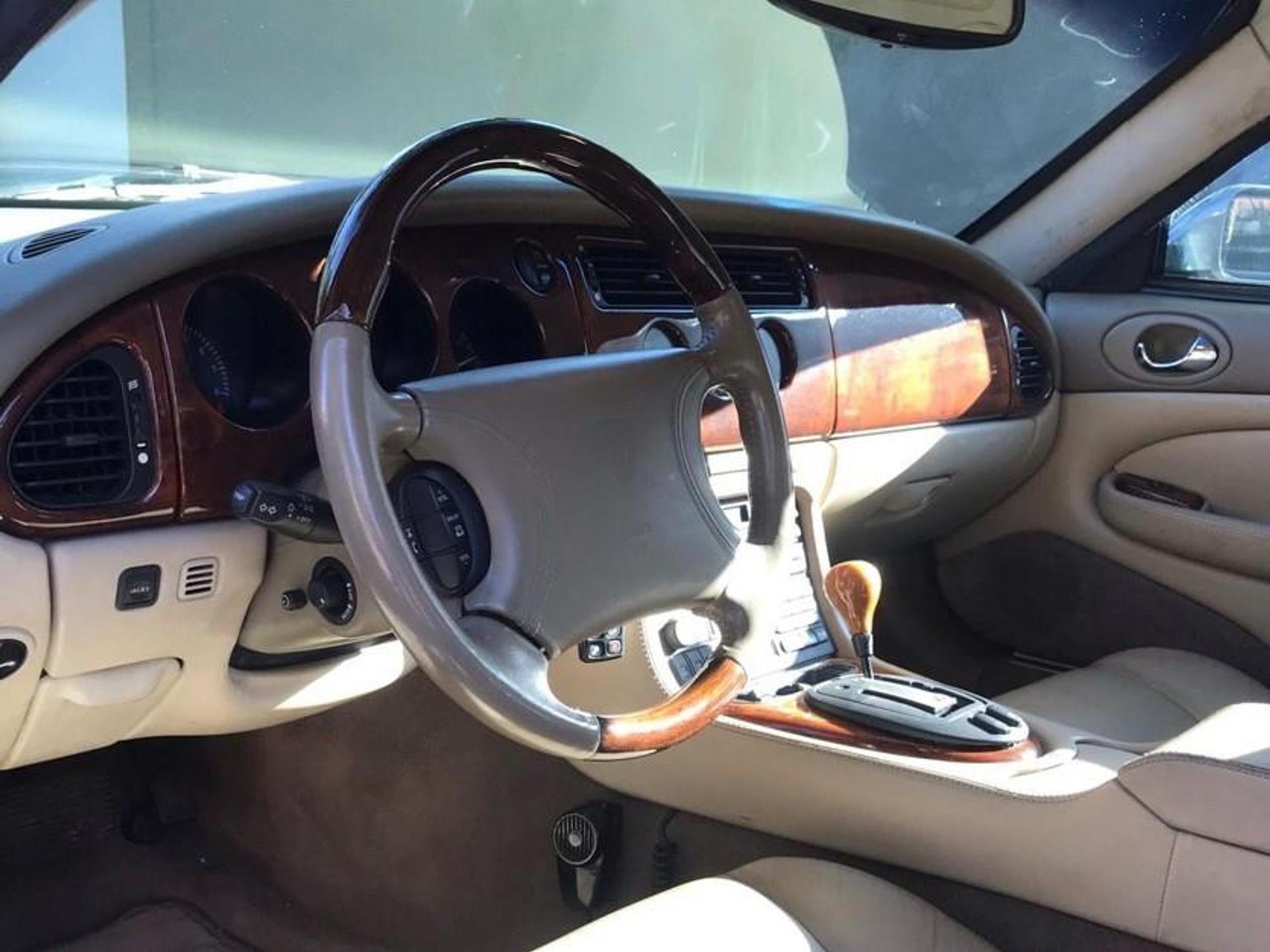 Jaguar Xk8 4.0 Coupe V8 32v Gasolina 2p Automatico Wmimagem16313071631